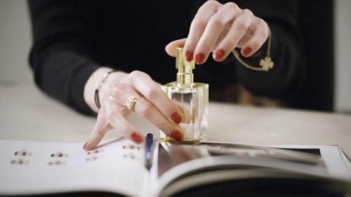 Parfums, ressourçables, nouveau, geste, luxe, responsable